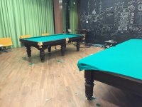 два бильярдных стола